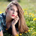 薄毛や若白髪……老けヘアになる原因4つと正しいヘアケア方法