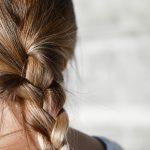 女性に増えている! 抜け毛・薄毛の原因と対策方法